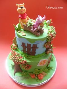 EDITOR'S CHOICE (08/11/2014) Winnie the Pooh by sonatatorte View details here: http://cakesdecor.com/cakes/150643-winnie-the-pooh