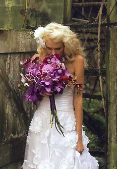 This picture and bouquet from Fleurish in Seattle was THE inspiration for my wedding