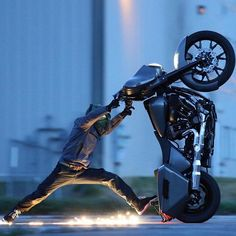 Road Lizardsさん(@roadlizards) • Instagram写真と動画 Sportster 48, Videos Photos, Motorcycle Photography, Chevy Chevrolet, Trends, Stunts, Movies To Watch, Hot Rods, Harley Davidson