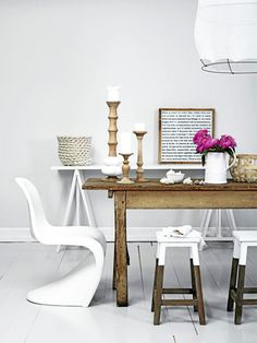 // flipping the dipped furniture trend around by dipping only the tops. Love the extra worn wood here too.