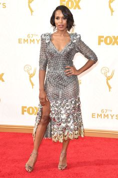Kerry Washington looked stunning on the red carpet at the Emmy Awards on Sep. The hot mama showed off her fabulous figure in a super shiny Marc Jacobs dress . Did you love her look as much as we did? Carrie Brownstein, Dascha Polanco, Natasha Lyonne, Kate Mulgrew, January Jones, Red Carpet Ready, Red Carpet Looks, Naomi Watts, Emma Roberts