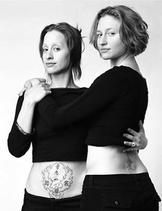 Montreal-based Canadian photographer François Brunelle has met many unrelated people who look amazingly alike, during the course of his travels. Inviting these pairs of doppelgängers into his studio, he captured their incredible likeness in black-and-white, family-styled portraits. In some cases, the subjects even have similar expressions—it is really a wonder that they are not only not twins, but are actually completely unrelated to each other.