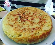Si te gusta la tortilla de patatas esta es la receta perfecta (o al menos para nosotros!). Además, podrás ver un vídeo al final de la receta de otro tipo d