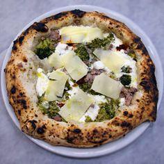 I Masanielli - Sasà Martucci - Garage Pizza Garage Pizza, Feta, Camembert Cheese, Places, Lugares