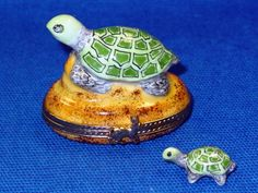Turtle on a Rock limoges - I have hundreds of these little boxes, and the fun part is always seeing what the surprise is inide