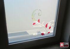 Zandstraalfolie kan ook leuk zijn in combinatie met gekleurde transparante glasfolie