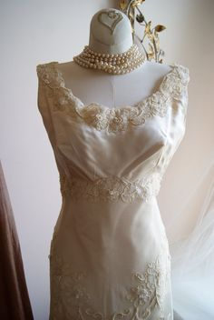 Wedding Dress / 60s Wedding Dress / Vintage 1960s by xtabayvintage, $995.00