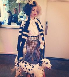 Iggy Azaela in Cruella Deville costume, now I definitely want to do my own version.
