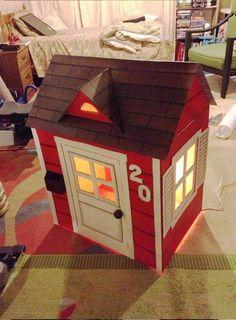 Cardboard-Playhouse - step by step Photo tutorial Boys Playhouse, Cardboard Playhouse, Diy Cardboard, Cardboard Houses For Kids, Cardboard Design, Cardboard Furniture, Doll Furniture, Christmas Store, Felt Diy