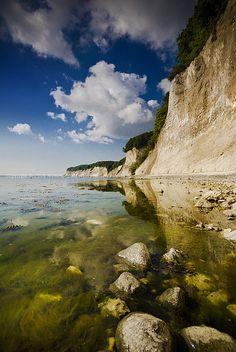 Jasmund National Park, a nature park northeast of Rügen Island, Mecklenburg-Vorpommern, Germany | Matilde B. on Flickr. Read more about this park here: https://en.wikipedia.org/wiki/Jasmund_National_Park.