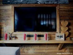 Wandverbau aus original sonnenverbranntem Altholz! #woodworking #woodwork #woodart #holzkunststeger #holzkunst #steger #altholz #sonnenverbrannt #oldwood #sunburned #idee #tischler #wandverbau #schalung #interior #design #interiordesign #altholzidee #wohnzimmer Interiordesign, Flat Screen, Carpenter, Wood Art, Interior, Living Room, House, Blood Plasma, Flatscreen