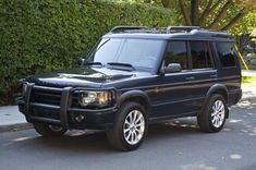 I love classic land rovers 2004 Land rover discovery Land Rover Discovery 2016, Land Rover Discovery Sport, Hummer Cars, Used Land Rover, Best 4x4, Range Rover Classic, Discovery Channel, My Ride, Land Cruiser
