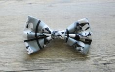 A great Etsy shop filled with awesome pop culture bow ties for boys like these Stormtroopers #StarWars