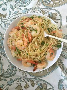 15 Minute Shrimp Linguine With Lemon Garlic Butter Sauce is a light pasta dish mixing shrimp, fresh parsley and a lemon garlic butter sauce. // A Cedar Spoon