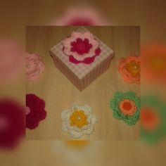 plektodimiourgies: Πλεκτά λουλούδια για μπομπονιέρες. Blog, Blogging