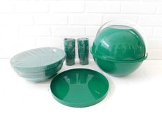 Mid Century Modern INGRID Chicago Green Plastic Picnic Ball, New Chicago Picnic Ball, Camping Dishes