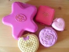 polly pockets boxes <3