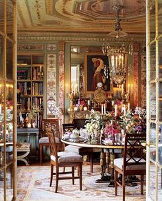 """The New York dining room of interior designer Howard Slatkin, from his book """"Fifth Avenue Style"""" coming September 2013 from Vendome Press. Photo by Tria Giovan"""