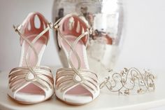 Scarpe sposa | Wedding shoes by Emmy shoes - Diadema | Hair band by Jenny Packam