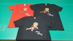 Camisetas personalizadas con impresión y vinilo textil de corte.