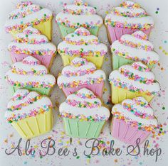 Ali Bee's Bake Shop: Cupcake (link does not lead to a tutorial).