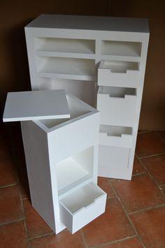 Rangements tabouret et meuble d'accueil SG Mobilier Carton. On voit, encore ici la main sûre de Sandrine et la qualité indéniable de son travail, de ses finitions.
