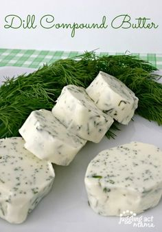 Simple Dill Compound Butter via Juggling Act Mama - Impress guests with a gorgeous topper for meats or even appetizers for a party. This compound butter will wow everyone and it's simple to make! Flavored Butter, Homemade Butter, Butter Mochi, Butter Icing, Cookie Butter, Sauce Recipes, Cooking Recipes, Dill Recipes, Butter