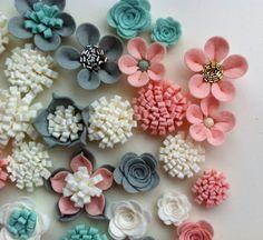 33 Hand made felt 3d flowers/roses & 33 glitter by cutzbothways
