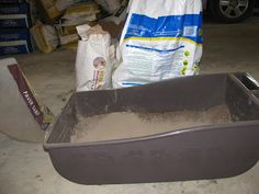 How to Make an Easy Dust Box for Chickens