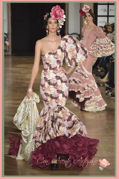 Vestido de flamenca asimétrico de Amalia Vergara en We Love Flamenco 2016