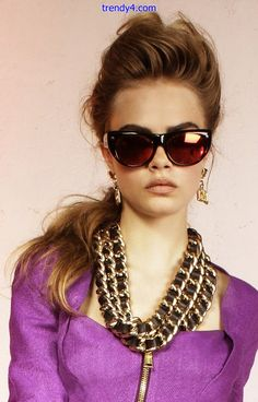 Cara Delevingne for Dsquared² S/S 2013 Sunglasses 2014, Versace Sunglasses, Mirrored Sunglasses, Versace Eyewear, Sunnies, Cara Delevingne, Girl Fashion, Womens Fashion, Beauty