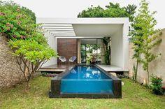 petite piscine hors sol, une longue piscine hors sol
