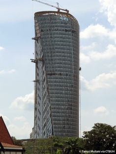 2014 predictions for skyscraper construction: More twisting towers, mega-tall projects, and 'superslim' designs