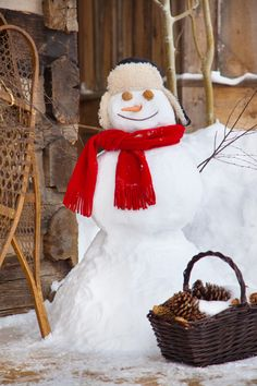 i'd like to make a well-dressed snowman or at the very least a traditional one!