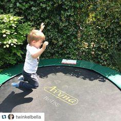 trampoline Mama is een freak