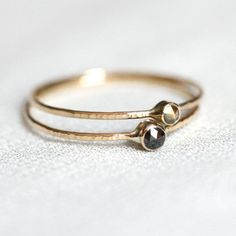 Two Natural Rose Cut Diamond Rings - Solid 14k Hammered White or Yellow Halos of Gold - One Black Diamond and One Brown Diamond - Delicate op Etsy, 124,79€