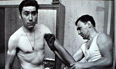 Eddy Merckx and his soigneur Guillaume Michiels, 1970. Michiels was niet alleen zijn masseur, maar ook zijn chauffeur, lijfwacht, voedingsspecialist