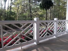 Deck railing isn't just a safety attribute. It can include a stunning visual to mount a decked location or patio. These 36 deck railing ideas reveal you just how it's done! Porch Railing Designs, Front Porch Railings, Patio Railing, Balcony Railing Design, Front Deck, Deck Design, How To Build Porch Railing, Deck Railing Ideas Diy, Balustrades Avant