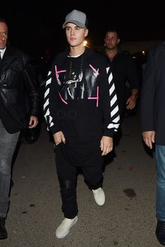 Justin Bieber wearing Amiri Jeans, Off-White c/o Virgil Abloh Caravaggio Hoodie, James Perse Cotton Flannel Trucker Hat, Vans Men's Classic Slip-On Sneaker Justin Bieber 2015, Justin Bieber Outfits, Justin Bieber Style, Justin Bieber Photos, Justin Selena, Peinado Justin Bieber, Vans Slip On, Celebs, Celebrities