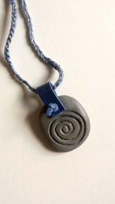 """Spirale. Symbol für unendliche Bewegung, z.B. für die Schwingung von Energien, für Zyklen, Entfaltung, Erneuerung oder """"Evolution"""" im mystisch-kosmischen Sinn. #etsy #handmade #jewelry #sale #latvia #endgraving #runes #jewelrysale #bohostyle #runestone #EtsySale #stonejewelry #gemstonelover #handmadejewelry #handmadewithlove #handcrafted #feathernecklace #shopsmall #shophandmade #etsy #etsyshop  #bohojewelry #bohostyle #bohofashion #naturalbeauty #runen #talisman #talismanjewelry"""