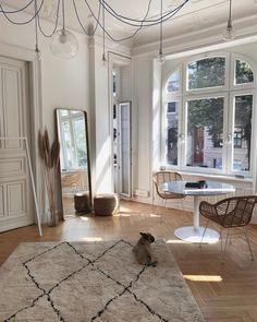 Home Decor Inspiration .Home Decor Inspiration First Apartment, Dream Apartment, Studio Apartment, Apartment Ideas, Apartment Goals, Parisian Apartment, York Apartment, Apartment Layout, Apartment Design
