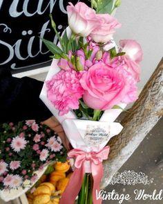 Élő virágok – Vintage World Cafe Shop, Bouquet, Table Decorations, Vintage, Home Decor, Buen Dia, Cake Birthday, Pastries, Flowers