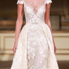 #weddingfavours #weddingfood #weddingcake #cake #pavlova #dessert #food #yummy #sweets #weddingideas #weddinginspo #Alamango #Bridal #Textiles #Wedding #AlamangoBridal #AlamangoTextiles #Malta #LoveMalta #Bridesmaid #WeddingDress
