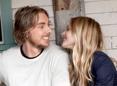 Dax Shepard & Kristen Bell. . . such a crush on him but they make such a cute married couple!