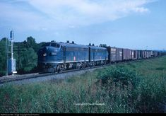 The Missouri Pacific Railroad was a large Midwestern line that always had financial difficulty. Its earliest history dates to 1842 and in 1982 the MoPac was purchased by the smaller UP. Train Posters, Railroad History, Union Pacific Railroad, Railroad Photography, Covered Wagon, Train Pictures, Train Tracks, Model Trains, Locomotive