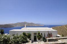 Buenos días, otoño siempre es una buena opción para escaparse a thesuites MYKONOS, una exclusiva villa junto al mar #greece #eco #slow #mykonos #thesuites #nohotels