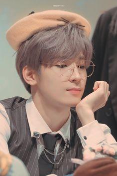 Listen to every Seventeen track @ Iomoio Jeonghan, Woozi, Carat Seventeen, Seventeen Album, Mingyu Seventeen, Baile Hip Hop, Vernon Chwe, Kdrama, Selca