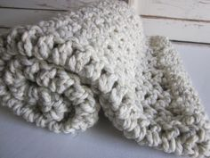 Chunky wool blend blanketthrow for baby par PeanutTreeDesigns Would LOVE to find the pattern (or a very similar one)... Could anybody here help, please? Thanks <3
