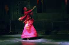 Traditional dancer in Udaipur, Rajasthan (India) Mirjam Letsch Photography
