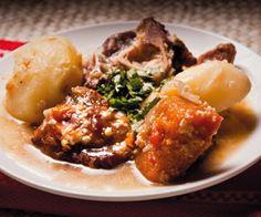 Cazuela mapuche con locro Chilean Recipes, Baked Potato, Potatoes, Beef, Baking, Drinks, Ethnic Recipes, Food, Gastronomia
